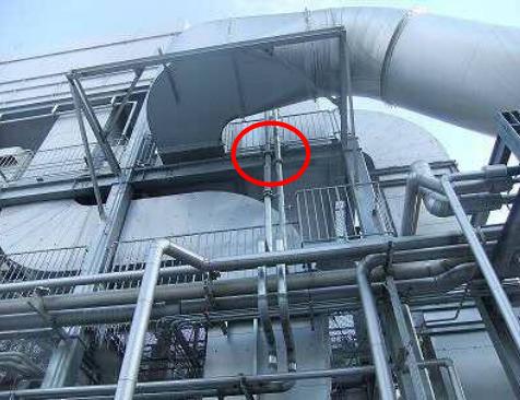 補修作業時に原ガスクーラー内を換気するためにファンを設置